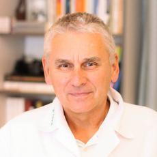Dr. Csuzi László reumatológus