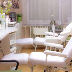 Jüling Orsolya kozmetikus üzlethelyisége