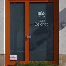 ABC Dental Kispest bejárat