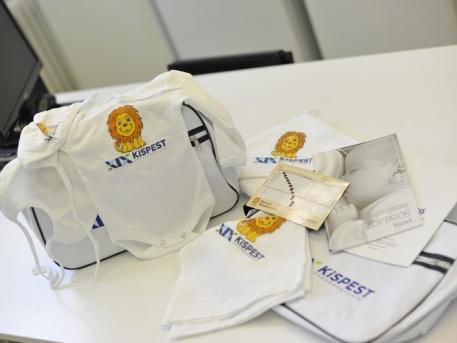 Az új babacsomag (forrás: uj.kispest.hu)