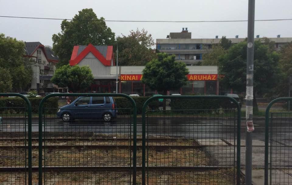 Kínai áruház nyílik a Spar helyén (olvasói fotó)